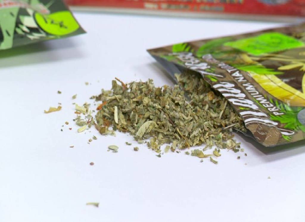 synthetic marijuana the legal way to A man prepares to smoke k2 or spice, a synthetic marijuana drug, in east harlem, aug 5, 2015 in new york city take-home message though they are sold as safe, legal alternatives to marijuana (and a way to avoid getting caught using drugs), synthetic.